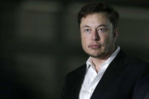 Tesla Begins Deliveries of New Model S Plaid